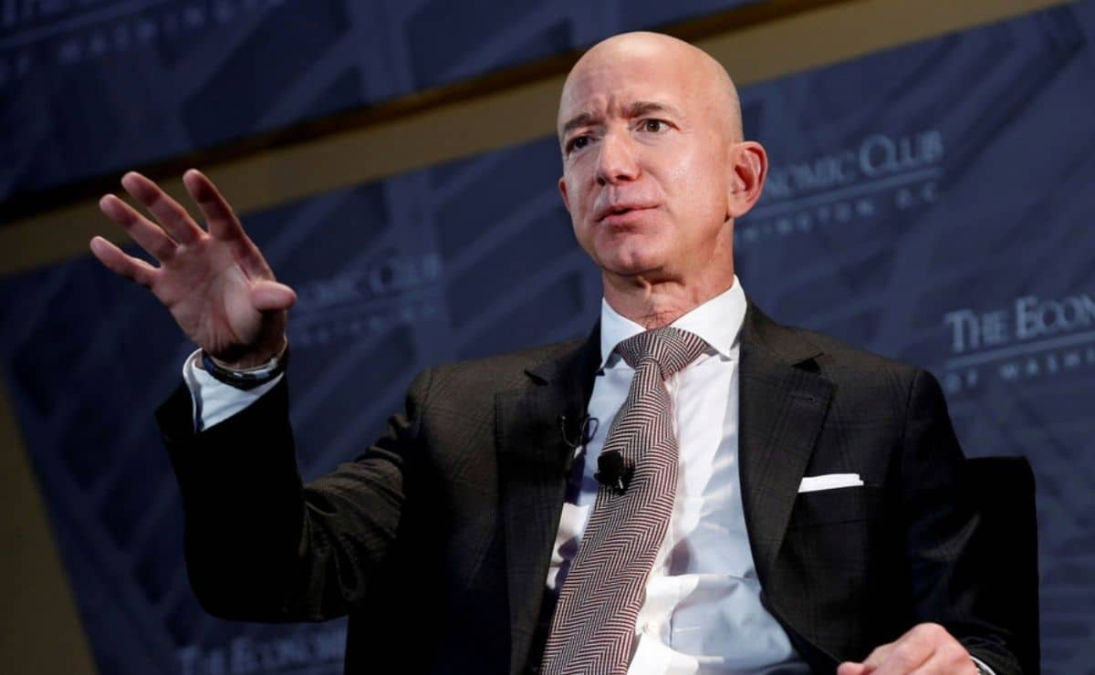 jeff-bezos,-founder-of-amazon.-com,-invest-in-a-technology-to-extend-life