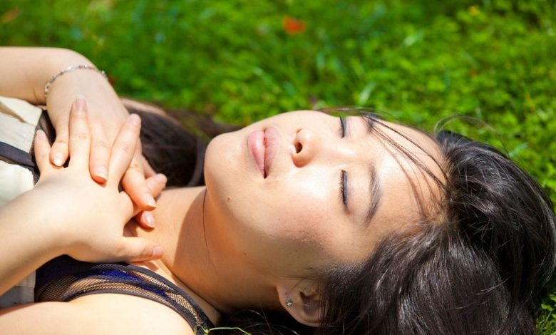 how-long-does-it-take-to-sunbathe-to-increase-vitamin-deb?