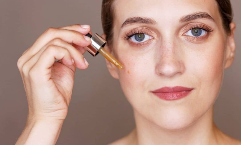 this-is-how-vitamin-c-serum-helps-eliminate-oily-skin-and-acne
