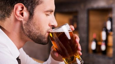 Photo of How does beer consumption affect uric acid levels?