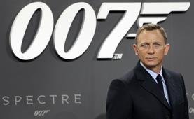 Photo of Daniel Craig, the Wayne Connection that prefers gay bars to straight ones