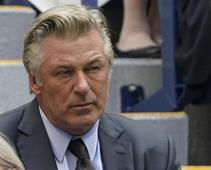 Photo of Alec Baldwin accidentally kills director over photography during filming on film
