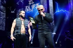 Photo of Abinader congratulates Este Alfa for their show on this Madison Block Garden