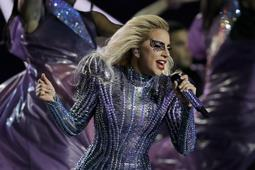 """Photo of Woman Gaga: a life to die, """"but I survived and carried on"""